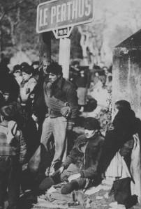 Niños y heridos esperando ser evacuados en Le Perthus, febrero de 1939.