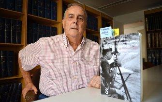 José Garcia con su libro