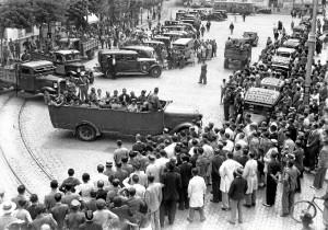 Expectación en la plaza de San Francisco ante el juicio contra la columna minera.