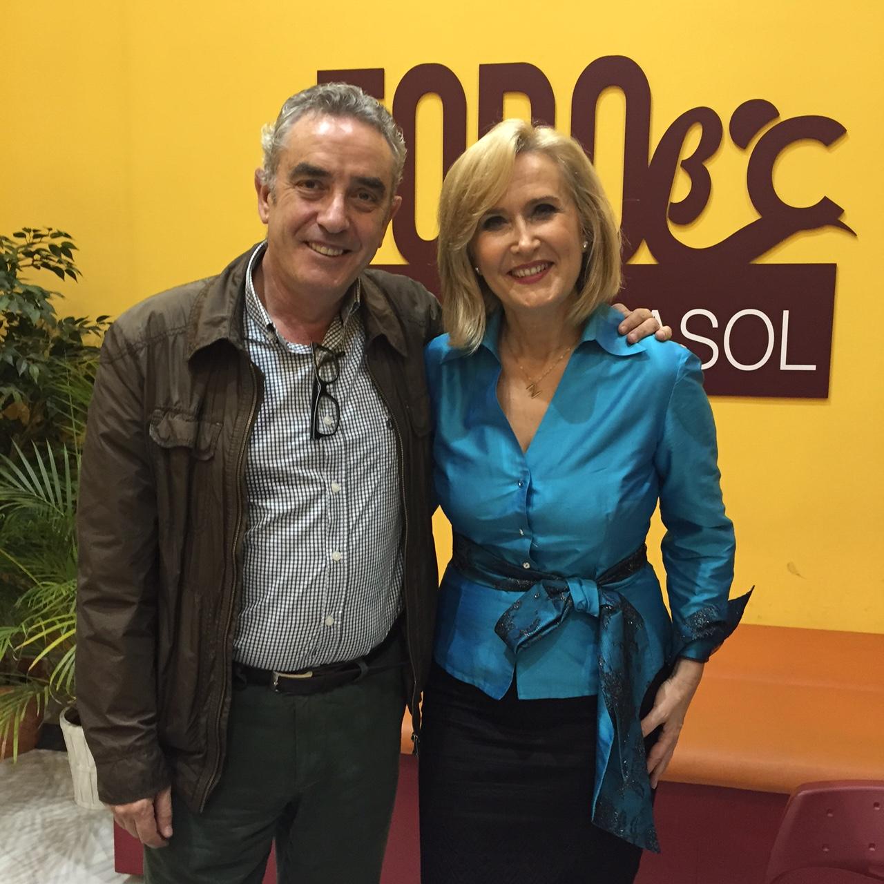 Nieves Herrero y Rafael Guerrero, en la presentación del libro en Sevilla.