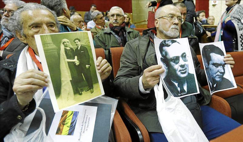 Las víctimas del franquismo estuvieron presentes en el debate parlamentario en febrero de 2016