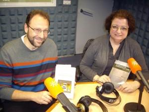 José Luis Castro Lombilla y Concha Morón, con sus libros, en Canal Sur Radio.