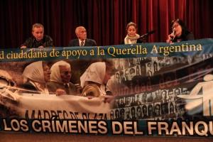 Primer encuentro de querellantes contra el franquismo. Foto Óscar Rodríguez.