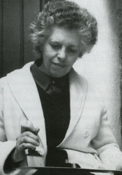 María Teresa Toral.