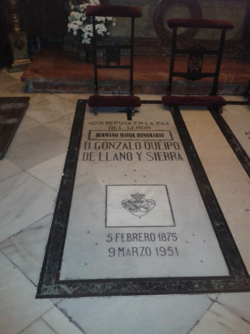 Tumba del genocida Queipo en la Basílica de la Macarena