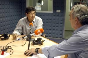 Diego Valderas, durante la entrevista con Rafael Guerrero